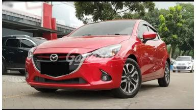 2015 Mazda 2 R - Mobil Pilihan