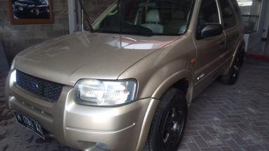 2004 Ford Escape At - Kondisi Mulus Tinggal Pakai