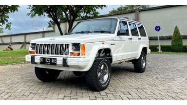 1996 Jeep Cherokee XJ Limited Edition - KM low interior full ori