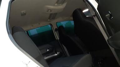 2016 Daihatsu Sigra 1.2 R A/T - Mulus Terawat (s-5)
