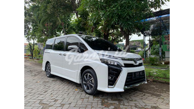 2018 Toyota Voxy 2,0 Matic