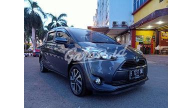2017 Toyota Sienta V - Pajak Panjang  & Service record