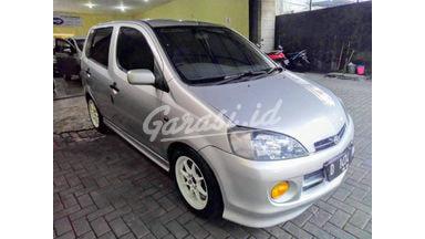 2001 Daihatsu YRV 1.3