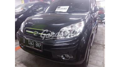 2010 Daihatsu Terios TX - SUV kompak, gagah, muat banyak, harga nego.