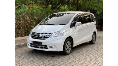 2013 Honda Freed E PSD - Istimewa Seperti Baru