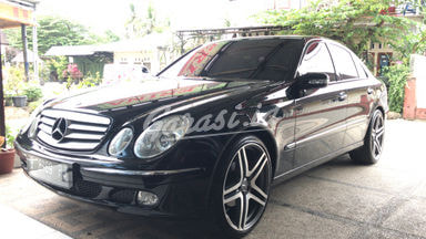 2004 Mercedes Benz E-Class W211 e260