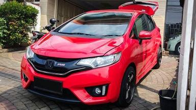 2016 Honda Jazz RS - Mobil Pilihan