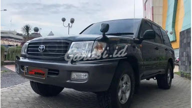 2001 Toyota Land Cruiser VX 100