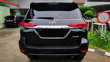 2016 Toyota Fortuner VRZ 2.4 - Mobil Pilihan (s-3)