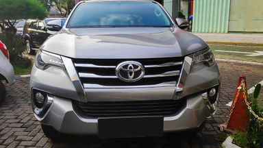 2016 Toyota Fortuner VRZ 2.4 AT - Mobil Pilihan (s-1)