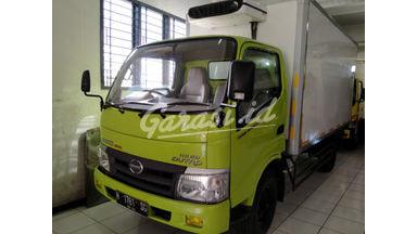 2012 Hino Dutro 300 110 SD - Terawat Siap Pakai