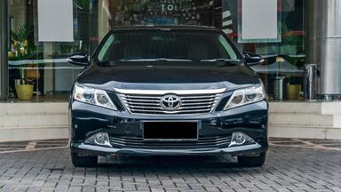 2013 Toyota Camry V - Mobil Pilihan