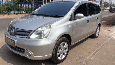 2013 Nissan Grand Livina Matic - Kredit dibantu TDP RINGAN