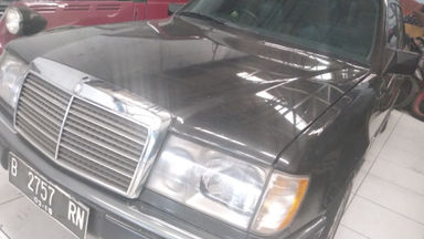 1992 Mercedes Benz E-Class e230 - mulus terawat (s-0)