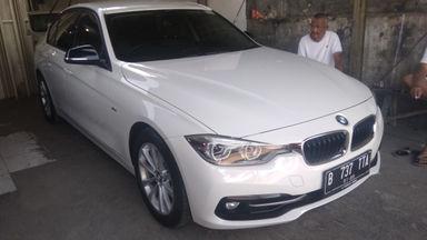 2016 BMW 3 Series 320 i - Siap Pakai Mulus Banget