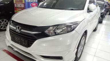 2015 Honda HR-V ivtec - Kondisi Mulus Tinggal Pakai