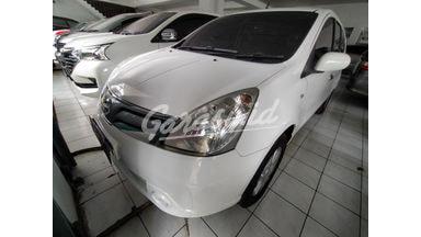 2013 Nissan Livina at - Nyaman Terawat