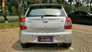 2014 Toyota Etios Valco E - Terawat (s-5)