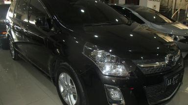 2011 Mazda 8 . - Mulus Terawat