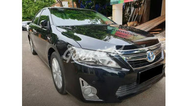 2014 Toyota Camry Hybrid 2.5 - Mobil Pilihan