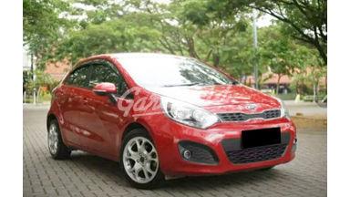 2014 KIA Rio Hatchback - Mobil Pilihan