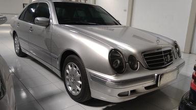1987 Mercedes Benz CL E260 - Antik Mulus Terawat