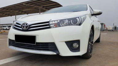 2014 Toyota Corolla Altis 1.8 V - Mobil Pilihan