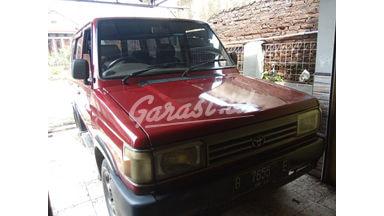 1996 Toyota Kijang