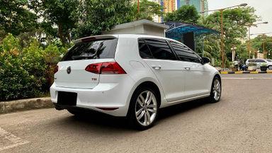 2017 Volkswagen Golf TSI - Mobil Pilihan (s-3)