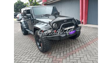 2011 Jeep Wrangler Unlimited SPORT UNLIMITED 4X4 - Tangguh Super Istimewa