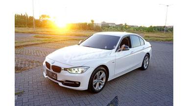2014 BMW 320i 320i Sport Sedan - Istimewa Siap Pakai