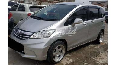 2013 Honda Freed S - SIAP PAKAI!