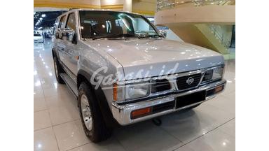 2000 Nissan Terrano Grand Road