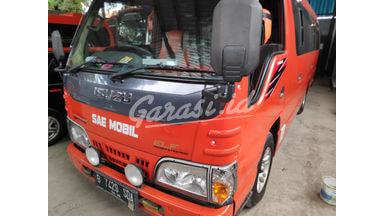 2016 Isuzu Elf Minibus mt - Barang Istimewa
