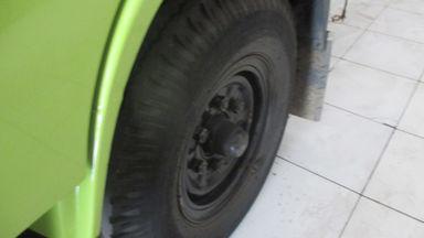 2011 Hino Dutro 300 110 SD - Siap Pakai (s-8)