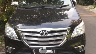 2010 Toyota Kijang Innova 2.0 V - Barang Bagus Siap Pakai (s-0)
