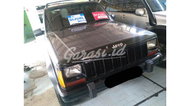 1997 Jeep Cherokee mt - SIAP PAKAI!