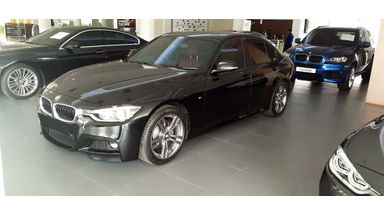 2016 BMW 330i M Sport Twin Turbo - Mobil Pilihan
