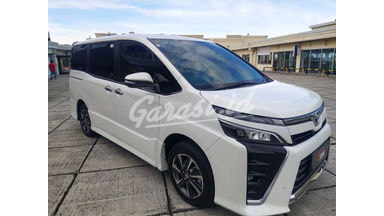 2018 Toyota Voxy at