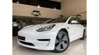 2021 Tesla Model S Model 3