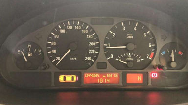 2004 BMW 3 Series 318i E46 - 2.0 Low KM (s-5)