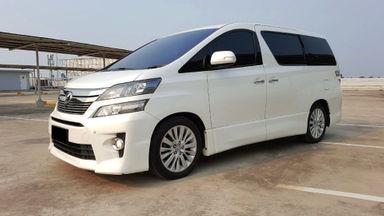 2013 Toyota Vellfire ZG - Mobil Pilihan (s-0)