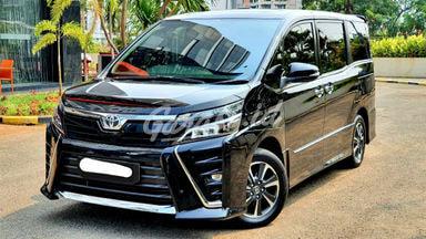 2017 Toyota Voxy atpm - Mobil Pilihan