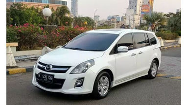 2015 Mazda 8 at - Istimewa Seperti Baru