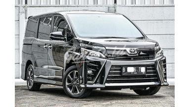 2018 Toyota Voxy 2.0 - Siap Pakai
