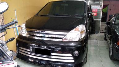 2010 Nissan Serena 2.0 - SIAP PAKAI !