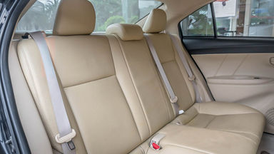 2013 Toyota Vios E - Mobil Pilihan (s-5)