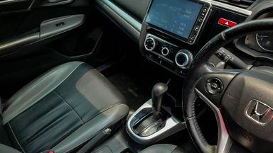 2016 Honda Jazz RS - Mobil Pilihan (s-5)