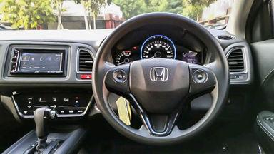 2015 Honda HR-V E CVT - Mobil Pilihan (s-4)