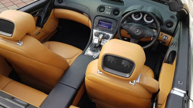 2011 Mercedes Benz Sl 300 Grand Edition - Fitur Mobil Lengkap (s-2)